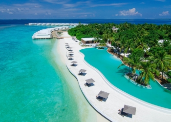 Luxury Tennis Retreat in the Maldives